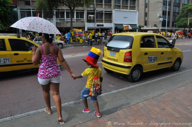Le jaune des maillots assortis au jaune des taxis.