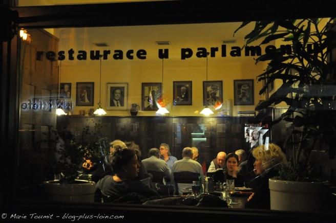 Restaurant du Parlement, comme c'est écrit sur la vitre.