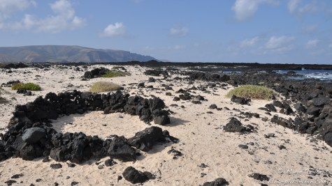 Petit abri sur Playa Caleton blanco, à Lanzarote (Canaries).