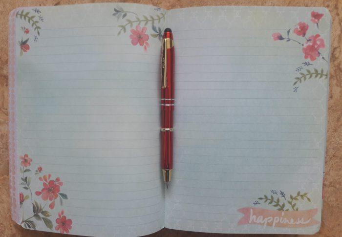 L'écriture fait partie de ma vie et me rend heureuse