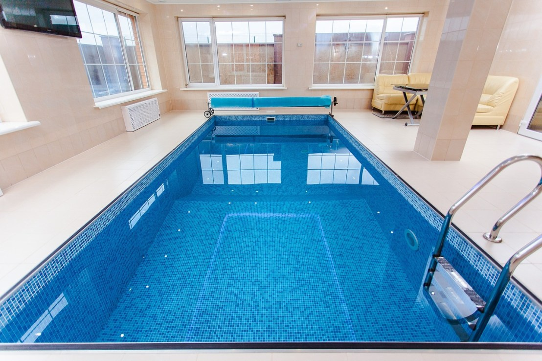 pool-1318072_1280