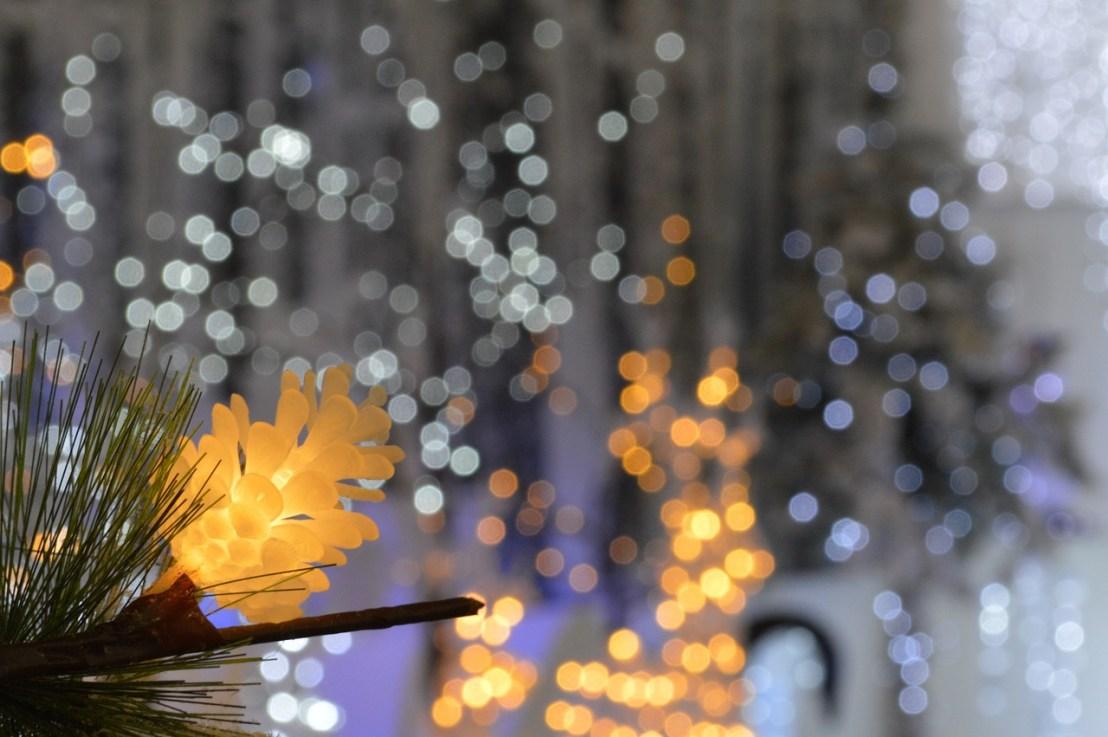 christmas-lights-1774186_1280
