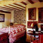 Bosan Dengan Tampilan Rumah? Coba Kreasikan Interior dengan Batik
