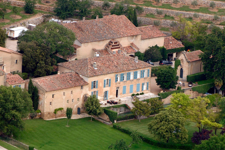 Chateau-Miraval-côtes-de-provence-famille-perrin-pitt-jolie