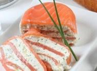 Millefeuille de saumon fumé au fromage frais et Pouilly Fumé 2014 «Pascal Jolivet»