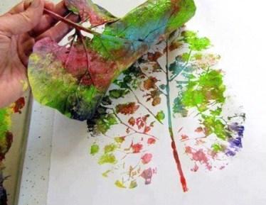 pintando con hoja