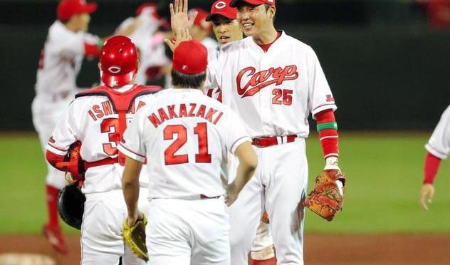 広島が先勝 重盗と2発で大谷攻略 日本ハムは11残塁の拙攻/カープ/デイリースポーツ online