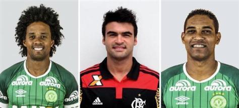 ケンペス選手、アルトゥールマイア選手、クレーベル選手(左から、いずれもゲッティ=共同)