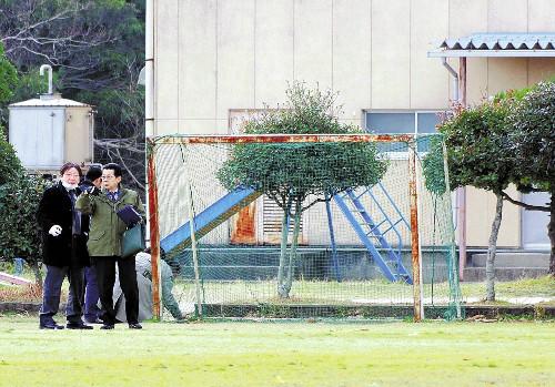 ゴールポストの下敷きに、福岡で小4男児が死亡 : 社会 : 読売新聞(YOMIURI ONLINE)