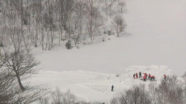 雪崩で8人死亡 遺族などから無念の思い | NHKニュース