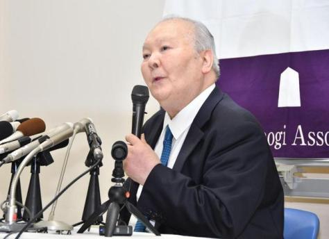 現役引退で会見する加藤一二三九段=将棋会館