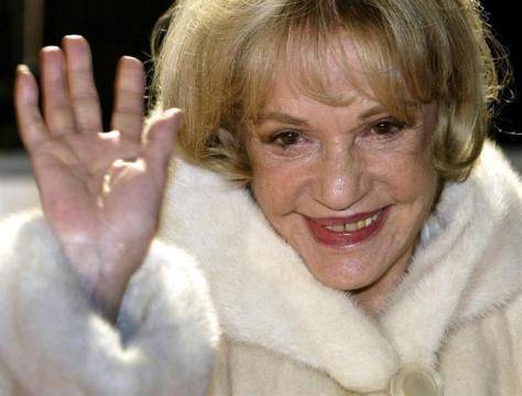 フランスの女優ジャンヌ・モローさん=2003年12月、ベルリン(ロイター=共同)
