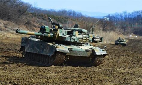 訓練中のK2戦車(韓国陸軍HPより)