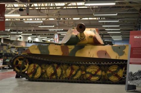 第二次大戦時のドイツの重戦車「ティーガー2」(2011年11月、岡田敏彦撮影)