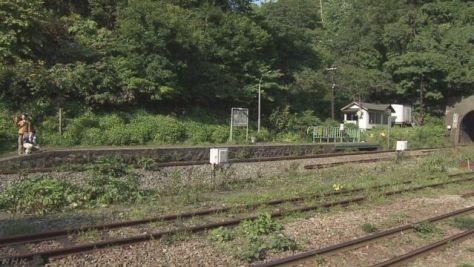 北海道の秘境駅 カメラつけて調べたら利用者が毎日いた!