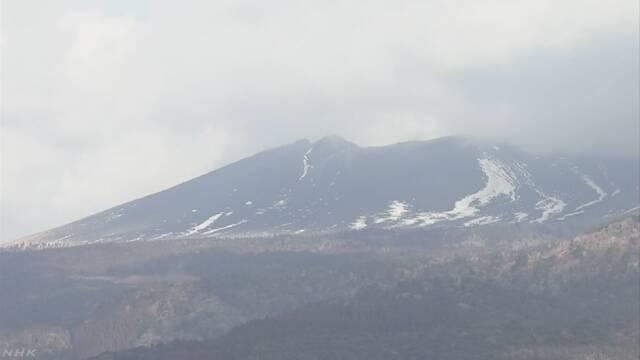 新燃岳で火山性地震が増加 噴火に伴う噴石に警戒を | NHKニュース