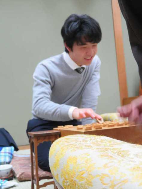 順位戦C級1組で7連勝を飾った藤井聡太