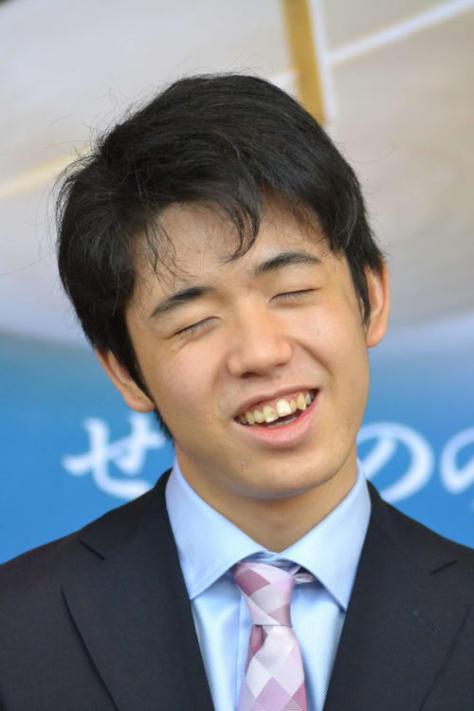 出身地である愛知県瀬戸市の「瀬戸将棋まつり」にゲスト出演し、会見に応じた藤井聡太七段