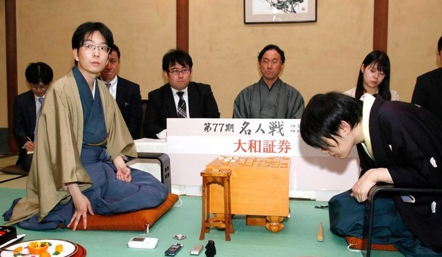 関西棋界の勢い象徴 豊島新名人、史上9人目の三冠