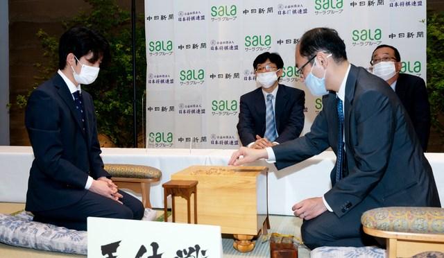 藤井聡太七段、タイトル戦で30歳年上に挑む 王位戦:朝日新聞デジタル