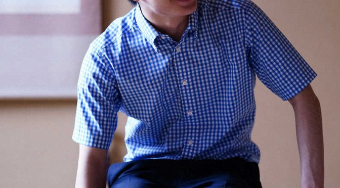 リラックスした表情でインタビューに答えた藤井聡太棋聖(撮影・小海途 良幹)
