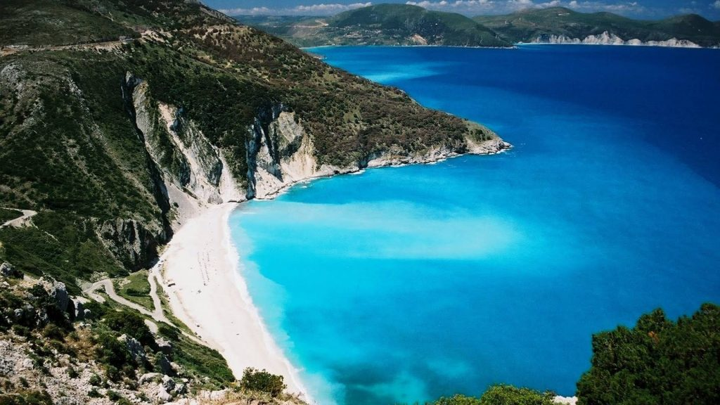 lefkada-sailing-crewed-yacht-l