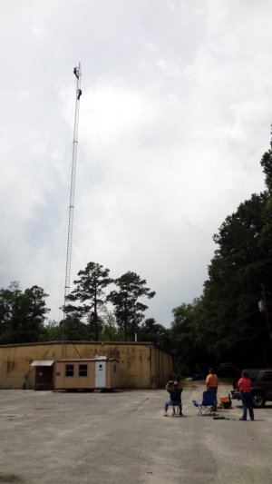 Lowering a 140' tower