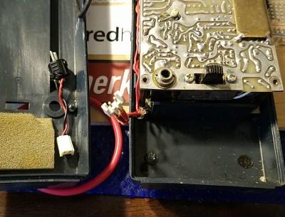Tempo S1 handheld FM transceiver power connection