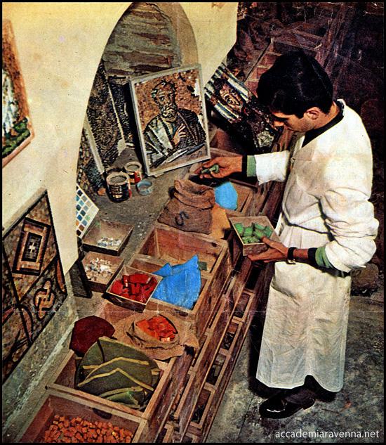 1951 | Studente del corso di mosaico dell'accademia di Ravenna