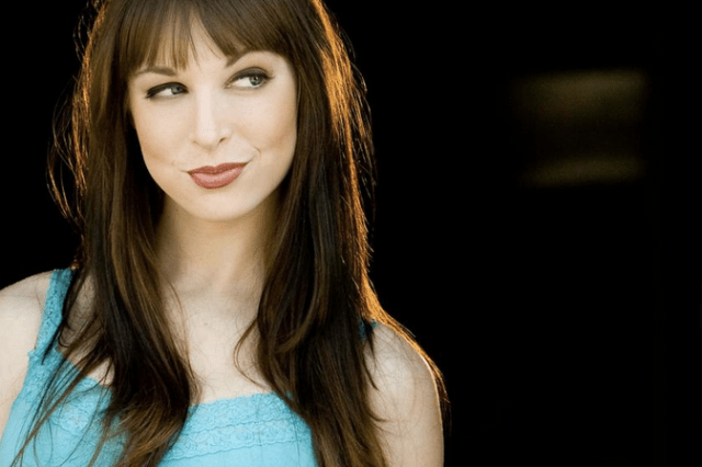 Lisa Foiles on about.me