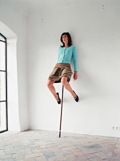 ERWIN WURM | ONE MINUTE SCULPTURES 1
