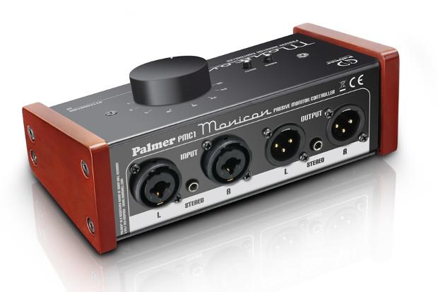 Les contrôleurs d'écoute Palmer Monicon disponibles dans le commerce sont vendus avec des clips de sécurité pour les connecteurs Combo.