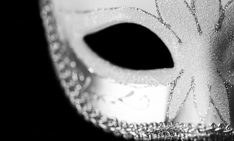 Masquerade mask - Fake cloud solutions