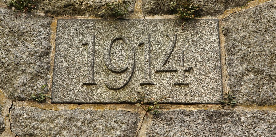 Year 1914 carved in the stone.