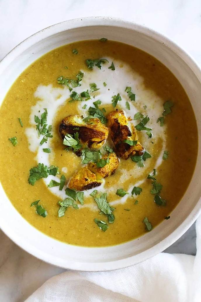 Turmeric Roasted Cauliflower Soup