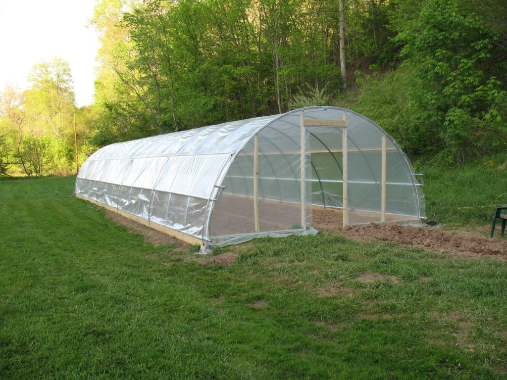 Ventilating a Homemade Polyfilm Greenhouse