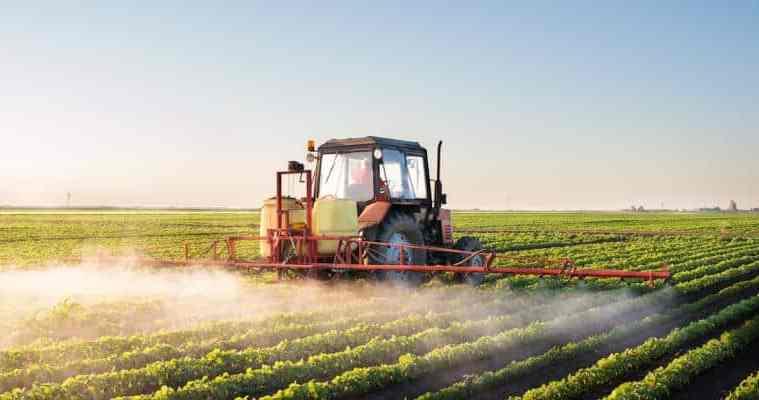 aplicações de defensivos agrícolas
