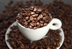CoffeeBeansCup_dreamstime_13158097_small
