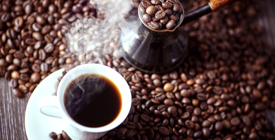 Coffee links to lower risk of cancer and early death says new analysis