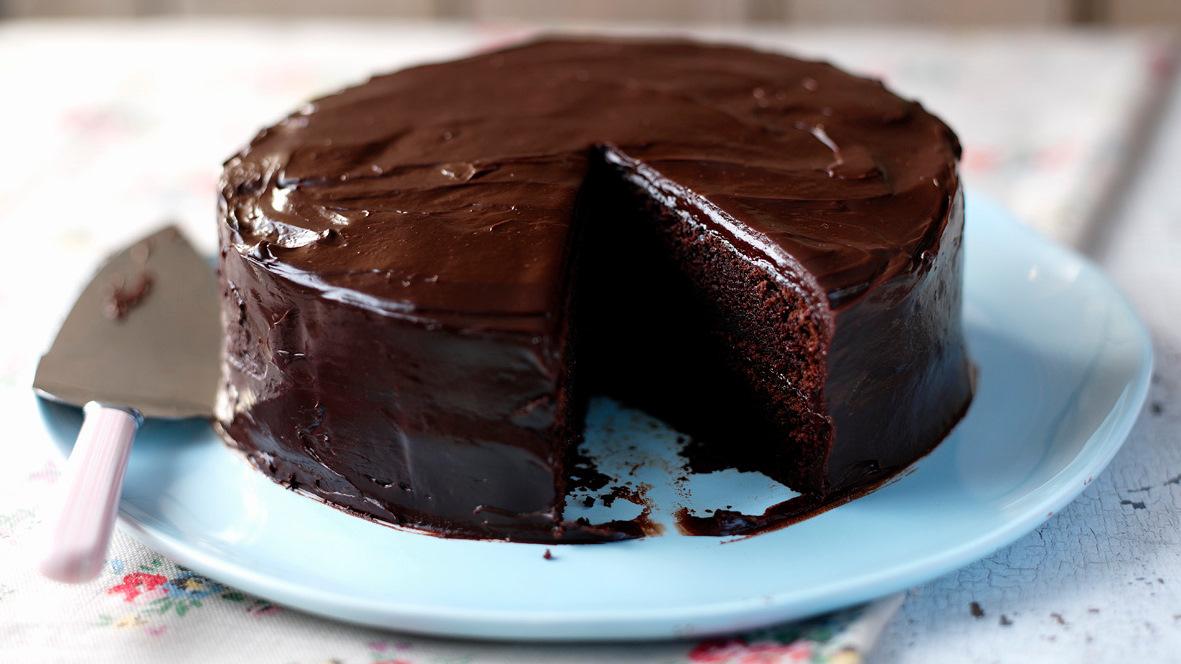 كيكة الشوكولاتة بطرق سهلة واقتصادية تريندات