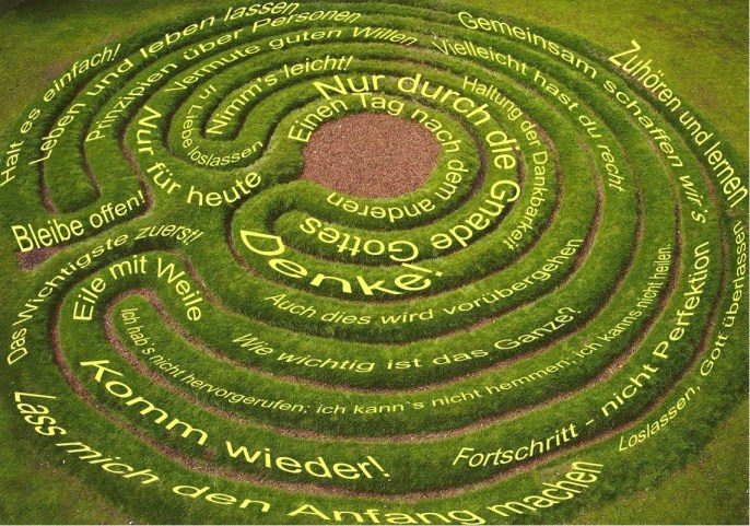 Labyrinth2011 mit Slogans