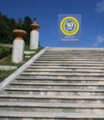 Fotocollage, Treppe mit 50 Jahre Al-Anon