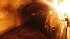 Di dalam terowongan. Sudah ada lampu penerangan didalam. Tahun 2009 yang lalu belum ada, jadi gelap gulita.