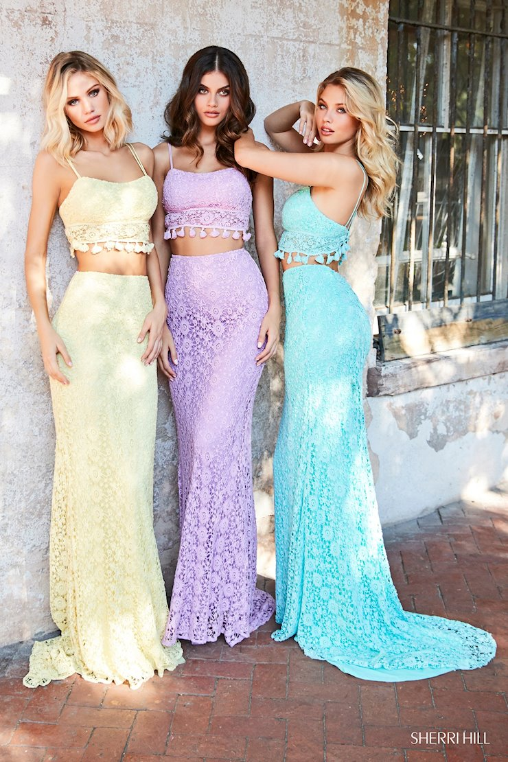 Our Favorite Dresses From The Sherri Hill Spring 2019