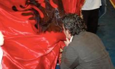KRESHNIK SPAHIU/ Pse nuk protestojmë kur humbet Shqipëria por kur na thërret partia?