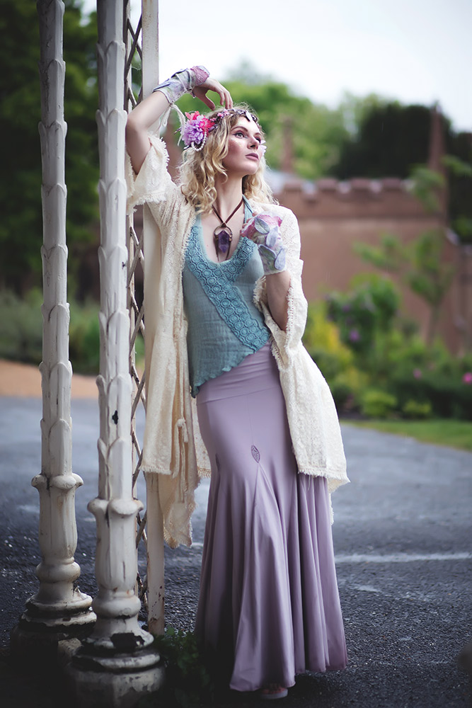 THE BOHO FAE LOOK: Lisa poses for Altshop