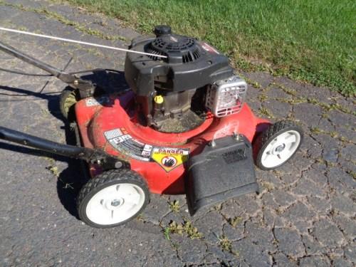 Summer lawn mower maintenance tips