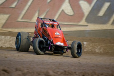 Amsoil sprint car sliding a corner