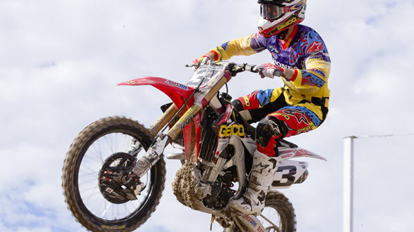What's the Difference Between Motorcycle, Dirt Bike and ATV Oil