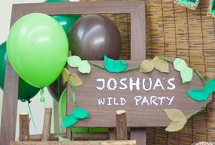Jungle Themed Dessert Table Photobooth